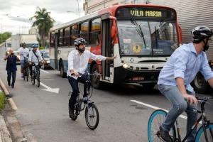 prefeito_bikeanjovoltaredonda-o%cc%82nibus