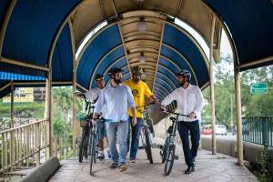 prefeito_bikeanjovoltaredonda-passarela